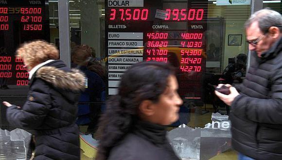 El precio del dólar en Argentina inició la jornada del lunes 7 de octubre con ligera alza. (Foto: AFP)