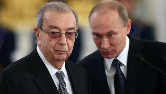 En 1992, Yevgeny Primakov admitió que el servicio de inteligencia ruso estaba detrás de los artículos periodísticos que afirmaban que el sida había sido fabricado por el gobierno estadounidense. (GETTY IMAGES).
