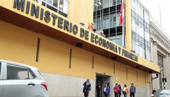 MEF dispuso este viernes la entrega de recursos para gobiernos subnacionales. (Foto: GEC)