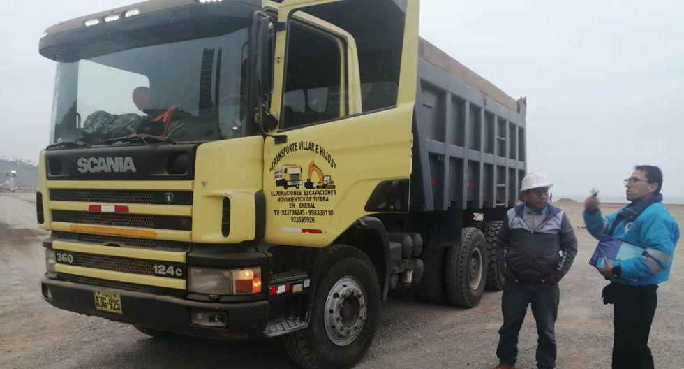 Serenazgo intervino esta mañana a dos camiones que arrojaban desmonte en la Costa Verde.  (Foto: Municipalidad de Magdalena)