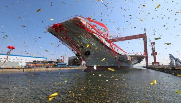 En 2017 China presentó su nuevo portaaviones, el Shandong CV-17, el primero fabricado en el país. Foto: Reuters, vía BBC Mundo