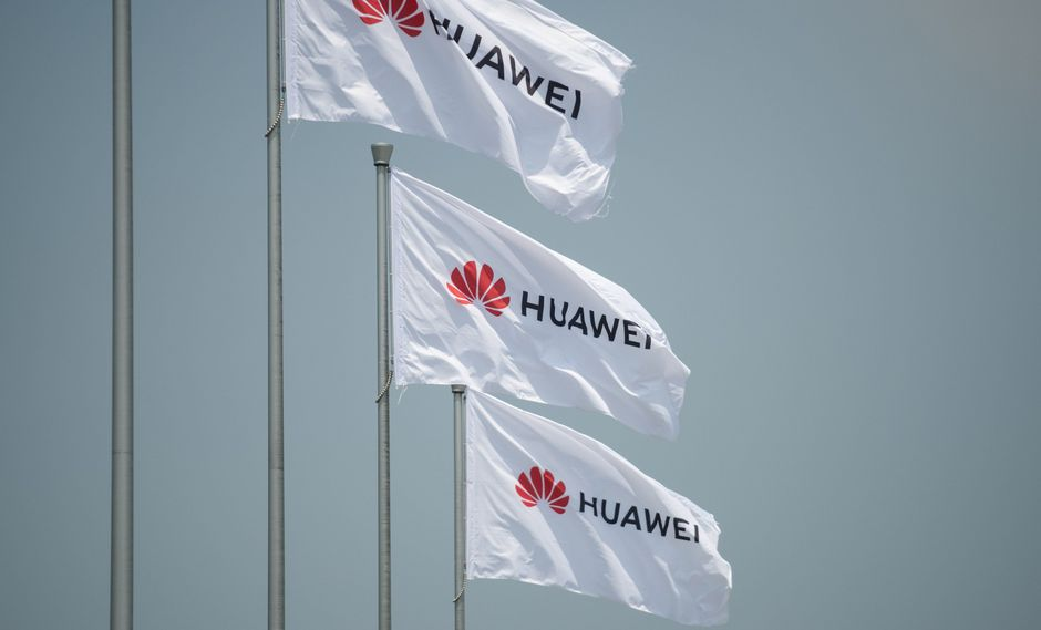 Huawei ha conseguido situarse a la cabeza del desarrollo de la red 5G, lo que llevó a que el presidente estadounidense, Donald Trump, impusiera restricciones a la firma. (Foto: AFP)