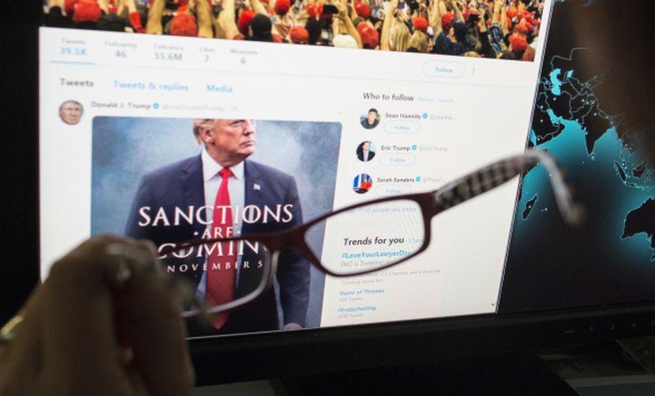 """""""Twitter está explorando formas de proporcionar más contexto en torno a los tuits que violan nuestras reglas, pero que son noticiosos y de interés público legítimo"""", dijo la compañía en un comunicado. (Foto: AFP)"""
