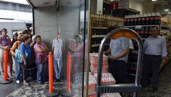 Venezuela: ahora para comprar pañales se debe presentar la...