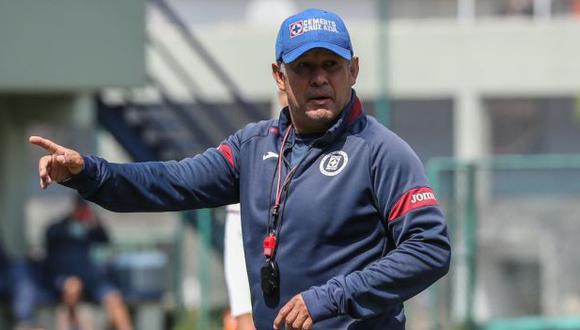 Juan Reynoso suma 13 partidos sin perder al mando de los 'Cementeros'. (Foto: Cruz Azul)