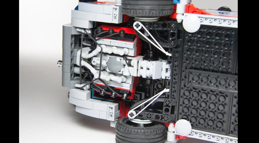FOTOS: Fanático de Lego crea espectacular set de Martini Racing - 7