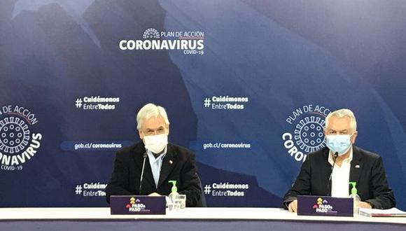 El presidente de Chile, Sebastián Piñera, y el ministro de Salud, Enrique Paris, explican el plan de desconfinamiento por coronavirus. (Foto: Presidencia de Chile).
