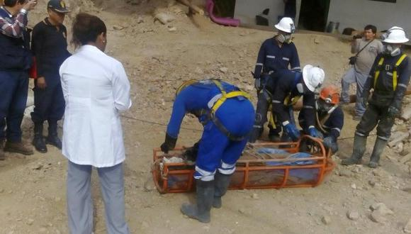 Arequipa: recuperan cuerpo de minero atrapado en socavón