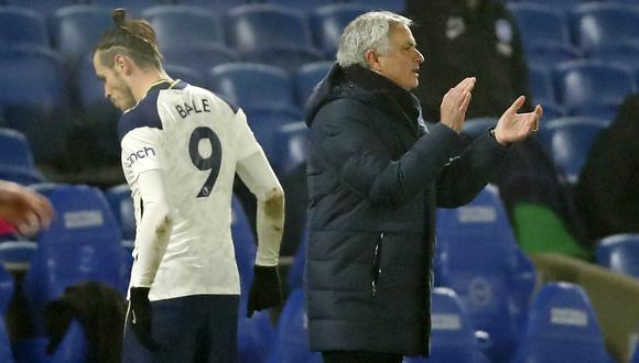 Mourinho dirigió 327 partidos de liga como local y hasta este jueves nunca había perdido dos de ellos seguidos. (Foto: AFP)