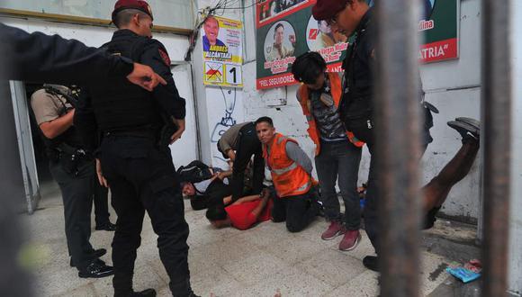 Entre los 40 detenidos, la Policía Nacional identificó a Carlos Sulca Cruz, sindicado como mano derecha de Gerald Oropeza y excarcelado el año pasado. (Foto: Diana Marcelo/El Comercio)