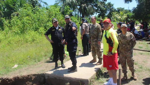 El general Carlos Chong Campana, jefe de la IV Macro Región Policial Loreto, lideró las coordinaciones el día de hoy para la búsqueda de los agentes desaparecidos. (Foto: Daniel Carbajal)