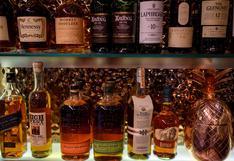Tras los chips de computadora, ahora los problemas de suministro por COVID-19 alcanzan al alcohol en EE.UU.