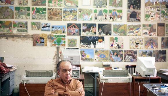 Postal de 1999 cuando Pablo Macera fue entrevista para el especial El Siglo en Mil Palabras. Foto: Sergio Urday/ Archivo El Comercio