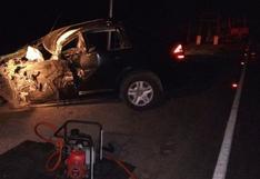 Moquegua: chofer muere en choque frontal y su esposa queda gravemente herida