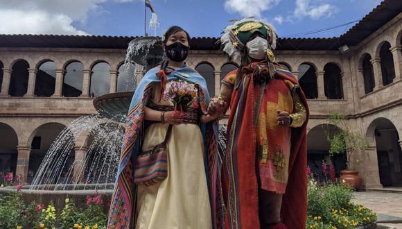 La boda se realizó en la Municipalidad del Cusco bajo protocolos de bioseguridad y sin mayores invitados. (Foto: Andina / Percy Hurtado)