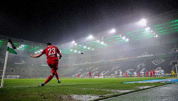 Como el Moenchengladbach vs. Colonia del pasado 11 de marzo, la liga alemana volverá a disputarse sin público en las tribunas. (Foto: EFE).