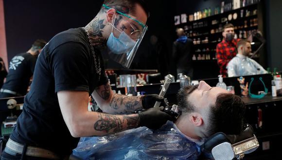 La barba puede evitar el ajuste perfecto de las mascarillas. (Foto de archivo: Reuters/ Benoit Tessier)
