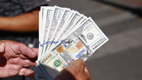 En el mercado paralelo o casas de cambio de Lima, el tipo de cambio se cotizaba a S/3,800 la compra y S/3,830 la venta de cada billete verde. (Foto: Jessica Vicente / GEC)