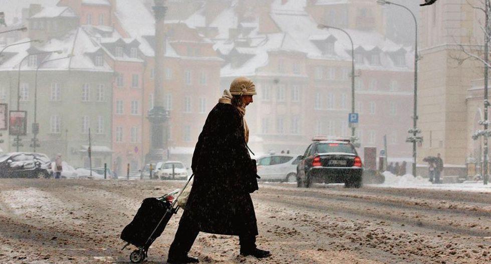 Los países que estuvieron detrás de la cortina de hierro –en la foto, la ciudad polaca de Varsovia– están perdiendo población. Muchos emigran hacia Europa occidental en busca de un mejor futuro. (Foto: AP)
