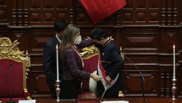 """Pedro Castillo juró como presidente del Perú por una """"nueva Constitución"""". Foto: Twitter @congresoperu"""
