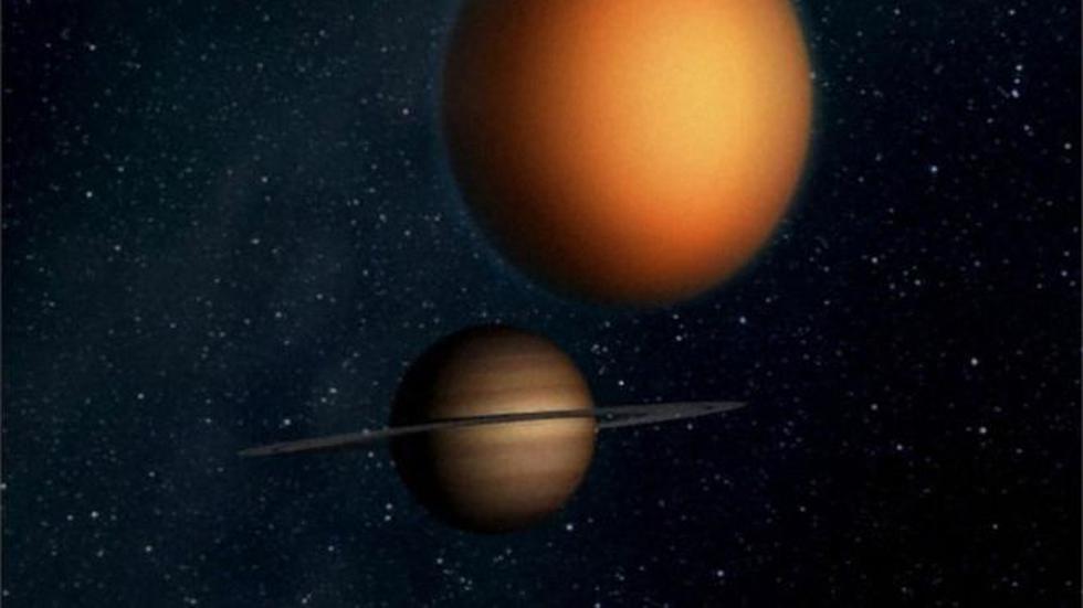 Un día en Titán dura 15,9 días terrestres y cada estación aproximadamente 2.687 días terrestres (unos 7,4 años).