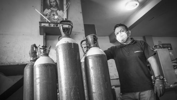 La antítesis del ¨vacunagate¨: José Luis Barsallo, el ángel del oxígeno. (Foto: Joel Alonzo/ GEC)