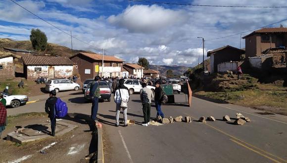 Este lunes se registraron tres piquetes en el corredor que pasa por la provincia cusqueña de Paruro. (Foto: El reportero Chumbivilcas Cusco)