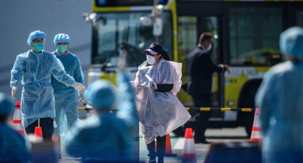 El brote del COVID-19 en el Diamond Princess se ha cobrado hasta el momento la vida de dos personas, un pasajero y una pasajera de 87 y 84 años, ambos de nacionalidad japonesa. (AFP).