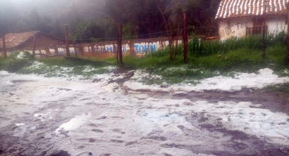Las intensas lluvias de granizo afectaron dos viviendas de adobe y cultivos de papa y maíz en el centro poblado Huamparán, en la provincia de Huari, en Áncash (Foto: cortesía Efraín Chávez)