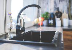 7 cosas que jamás debes tirar por el desagüe de la cocina o podrías atorar la tubería