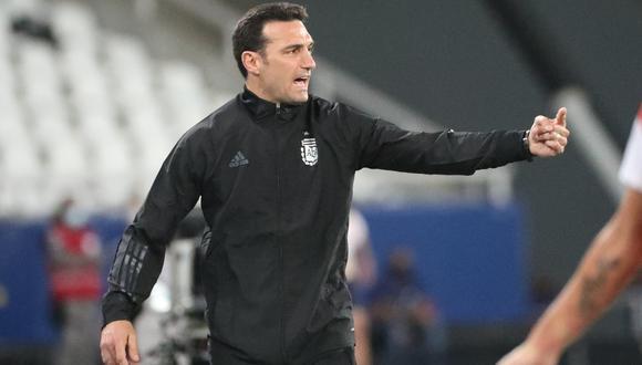 Lionel Scaloni analiza la previa del partido entre Argentina y Uruguay. (Foto: REUTERS)