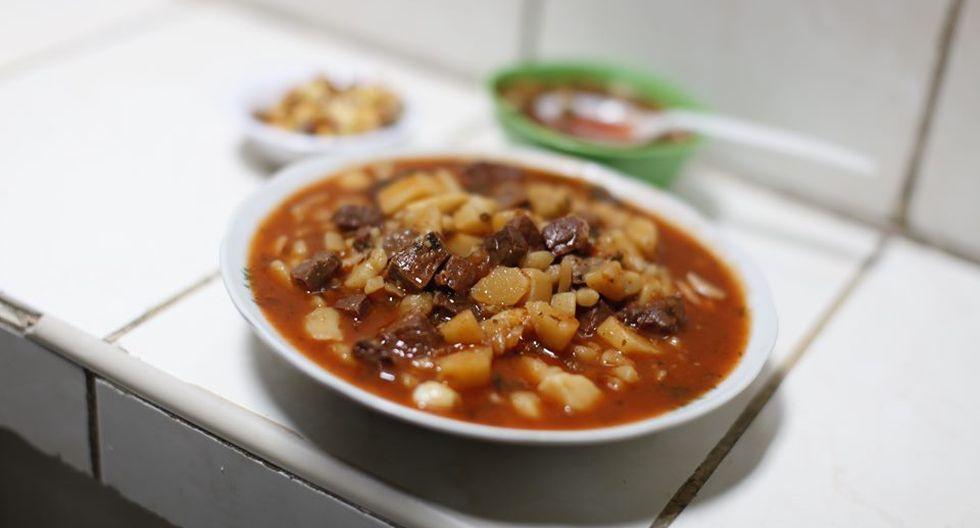 """Chanfaina. Su nombre es una palabra mozárabe que significa """"mal hecho"""". De origen español, el plato lleva papa en rodajas y frita con chorizos.(Fotos: iStock  /Archivo El Comercio)"""