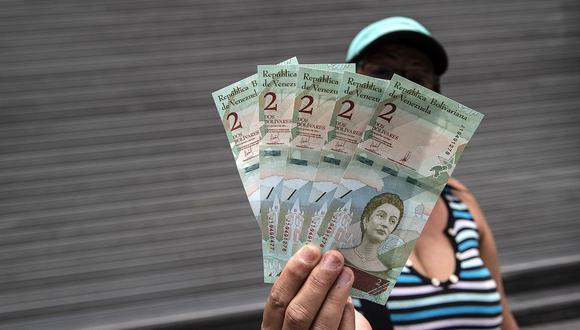 El dólar se cotizaba en 2.1 millones de bolívares soberanos en Venezuela. (Foto: AFP)