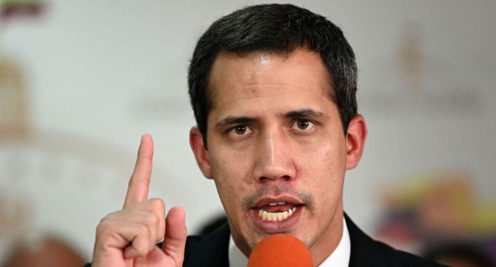 """Juan Guaidó denuncia que Maduro trata de """"cerrar"""" el Parlamento venezolano. (AFP)."""