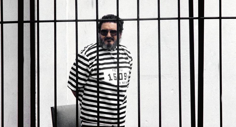 Doce días después de su captura, el 24 de setiembre de 1992, Guzmán Reinoso fue presentado públicamente a la prensa en una jaula, vestido con un traje a rayas. Foto: GEC Archivo Histórico
