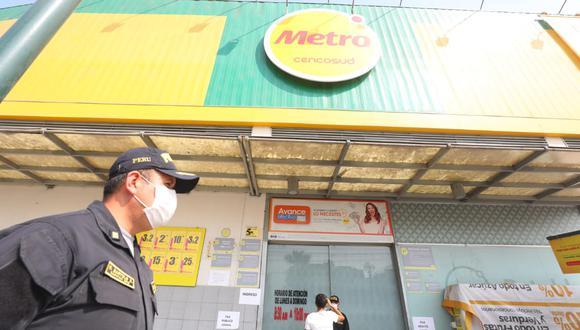 Dos trabajadores de Metro de dos locales de Independencia dieron positivo a prueba del COVID-19. (Foto: Gonzalo Córdova)