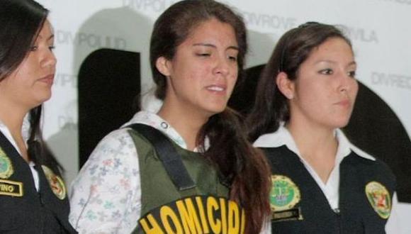 """Abogado de Fernanda Lora: """"La quieren convertir en un demonio"""""""