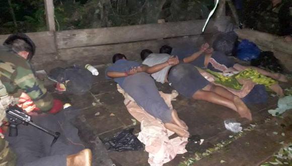 Las autoridades hallaron en el lugar insumos químicos y una enorme poza de maceración. La policía confirmó que los narcotraficantes empleaban una nueva modalidad para la maceración (Foto: PNP)