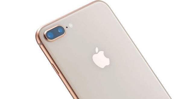 """""""Back Tap"""" convierte todo el lomo del iPhone en un nuevo botón. (Foto: Getty Images)"""