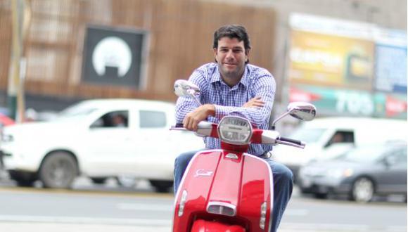 """""""La proyección es colocar 100 motos Lambretta en el 2019 y 500 motos en el 2021"""", estima el gerente general de Motolife, Luis Miguel Pollarolo. (Foto: Nancy Chappell)"""