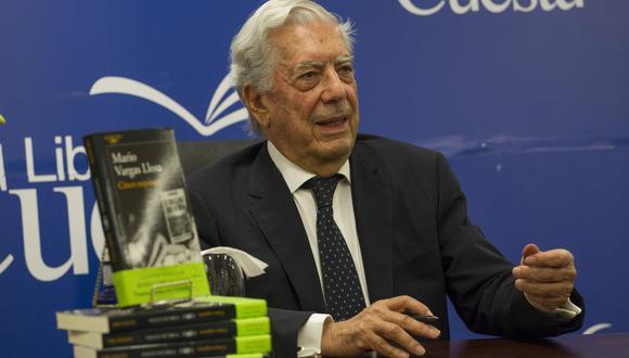 Anuncian a los cinco finalistas del Premio Bienal de Novela Mario Vargas Llosa (Foto: AFP)