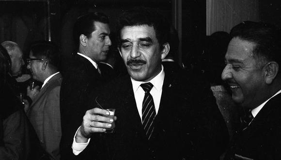 Gabriel García Márquez en Lima. Atrás, Mario Vargas Llosa. Ocurrió en Lima en 1967, nueve años del famoso puñetazo en DF que los enemistó. Foto: Archivo histórico de El Comercio.