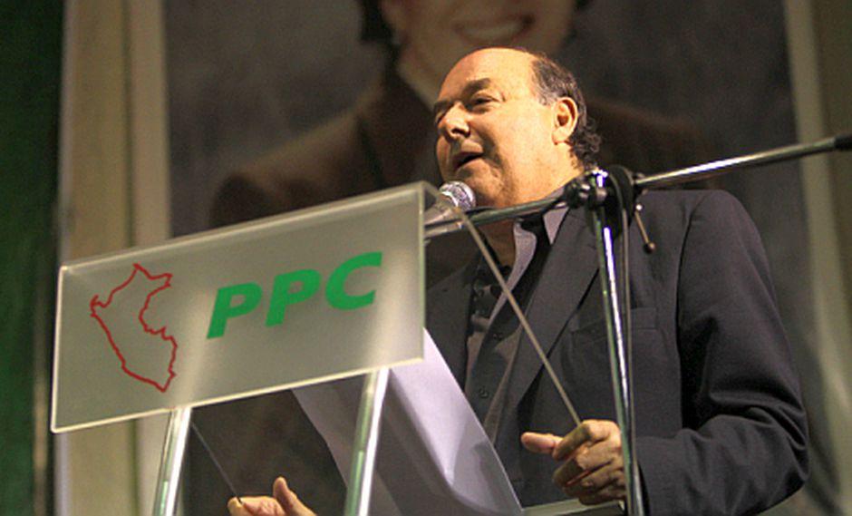 """Castro desdice a Lourdes y niega """"infraternidad"""" en el PPC"""