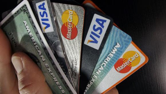 ¿Qué debes tener en cuenta al aceptar una tarjeta de crédito?