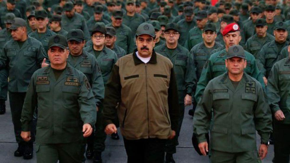 El apoyo de los militares a Maduro ha imposibilitado el éxito de los opositores para alcanzar el poder en Venezuela. (Foto: EPA vía BBC Mundo)