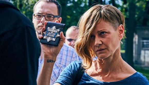 Małgorzata Kożuchowska interpreta a la contrariada oficial Helena Rus en el thriller polaco de Netflix Las palagas de Breslavia (Foto: Netflix)