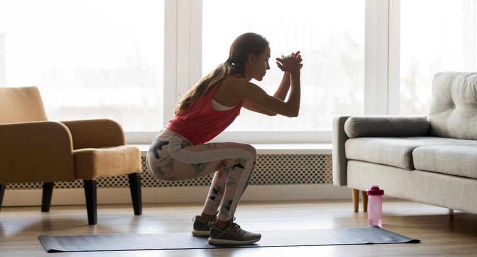 El calentamiento dinámico propone preparar el cuerpo mediante ejercicios cortos y en movimiento.