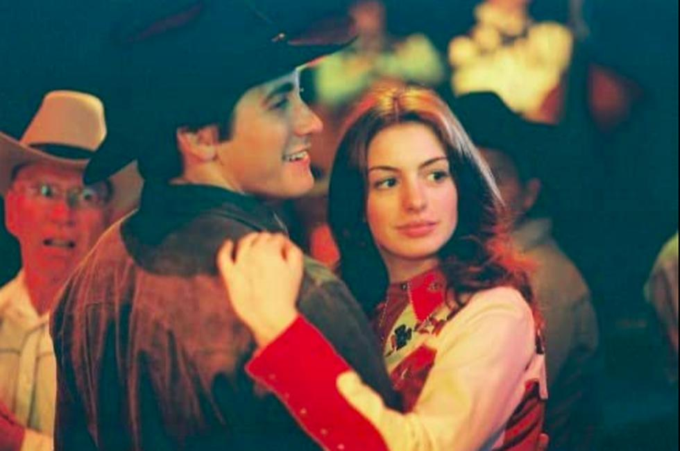 The film tells the story of Ennis del Mar (Heath Ledger) and Jack Twist (Jake Gyllenhaal), two young men who met and fell in love during the summer of 1963 while working herding sheep on Brokeback Mountain, a fictional place in the US state of Wyoming.  However, they both carry on with their lives and girlfriends.