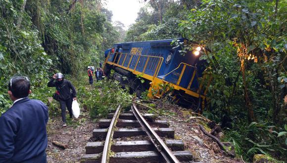 Tras el siniestro, el tren quedó tendido a un lado de la línea férrea