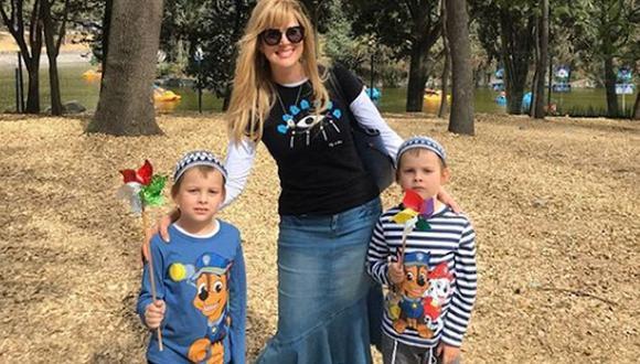 Tras su compromiso con su nueva religión, ella decidió dedicarse por completo a su rol de madre y siempre está al pendiente de sus gemelos (Foto: Instagram / Sarah Mintz)